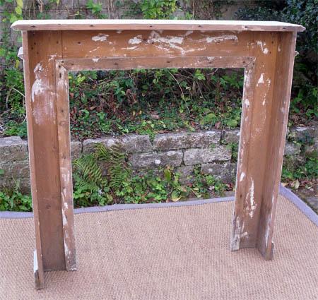 belle boiserie ancienne en bois peint pour chemin e. Black Bedroom Furniture Sets. Home Design Ideas