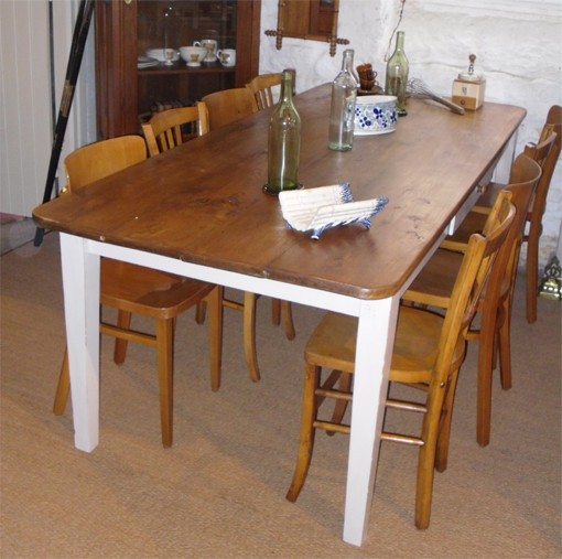 exceptionnelle grande table en orme pour salle a manger. Black Bedroom Furniture Sets. Home Design Ideas
